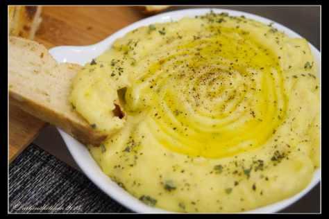 Greek-Mashed-Potatoes-Skordalia